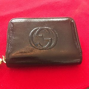Like new Gucci soho patent black zip around wallet
